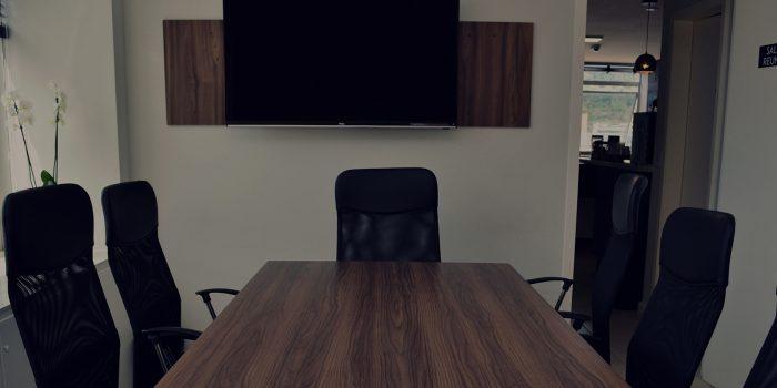 sala-reuniao-lumiere-coworking-mais-offices